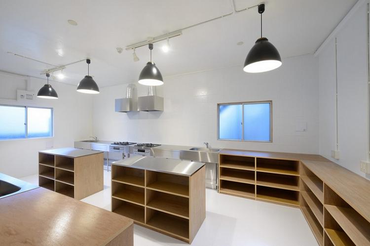 Una casa para estudiantes muestra su moderna iluminaci n iluminaci n net - Casas de iluminacion ...