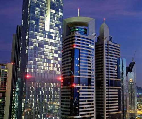 Iluminación Arquitectural en la Rolex Tower de Dubai