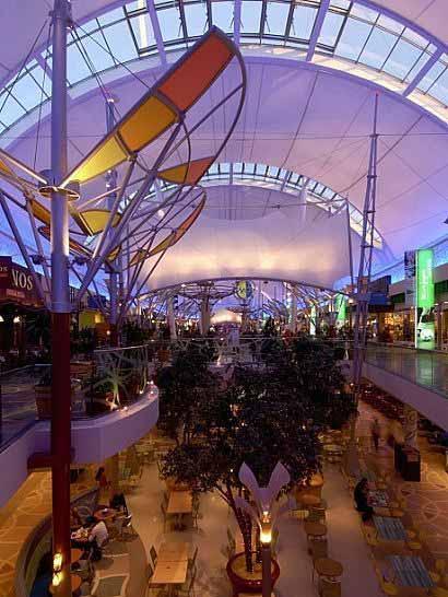 Gran Centro Comercial en Xanadú