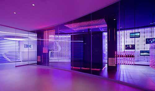 Iluminacion del Centro de Información Ejecutiva de IBM