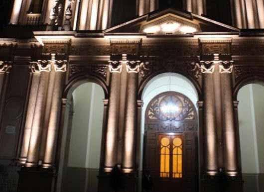 Nueva iluminación LED de la Basílica San Francisco en Jujuy