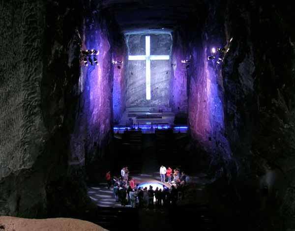 Nueva iluminación LED para la Catedral de Sal en Colombia