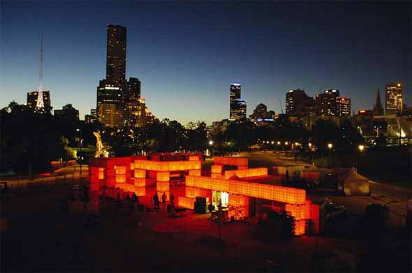 Los tanques de agua iluminan Melbourne
