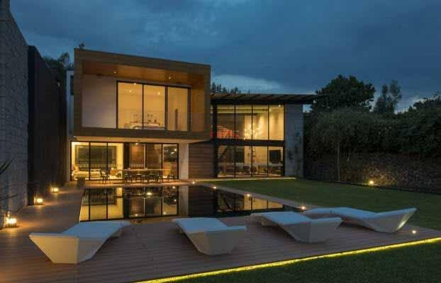Una gran residencia en m xico se ilumina con luces led for Casa con piscina fin de semana madrid