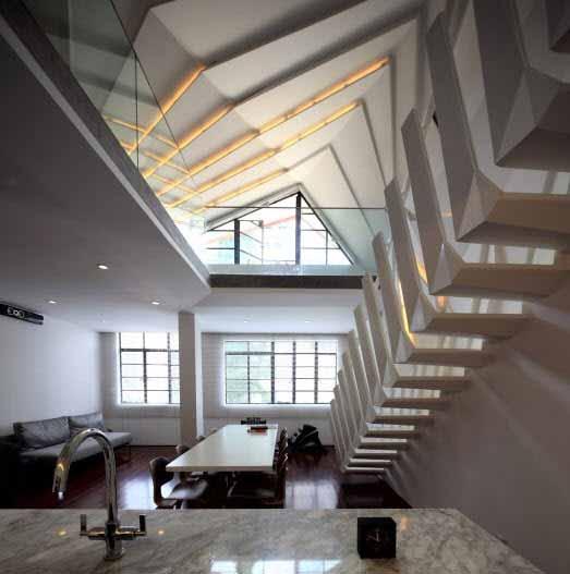 Iluminar un techo de estructura tradicional chino con luces LED y mucha imaginación