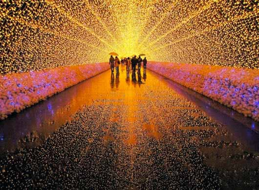 Espectaculares túneles de LED en Japón