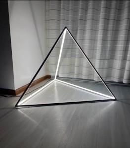 Lámpara GA iluminación | Lámpara de Piso Pirámide - Pirámide - Lámpara de Piso