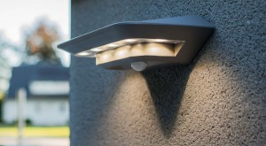 Lámpara Lutec | Luz LED Solar con Detector de Movimiento - P9014